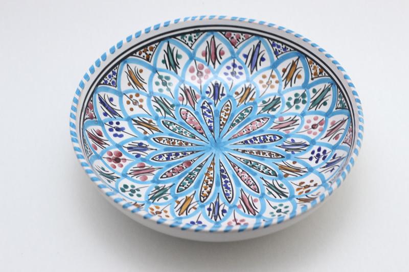 Assiette creuse en céramique émaillée